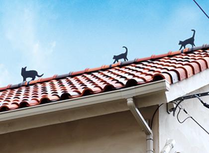 屋根のアイアンオブジェ